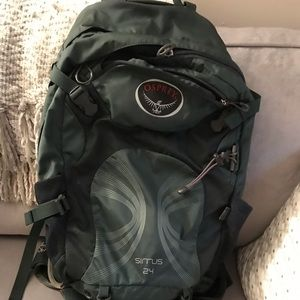 Osprey womens Sirrus 24 L Backpack